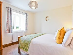 Hillberry Cottage Bedroom 1