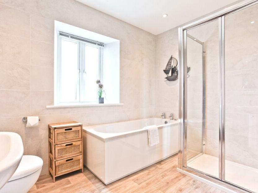 Hillberry Cottage Bathroom 1