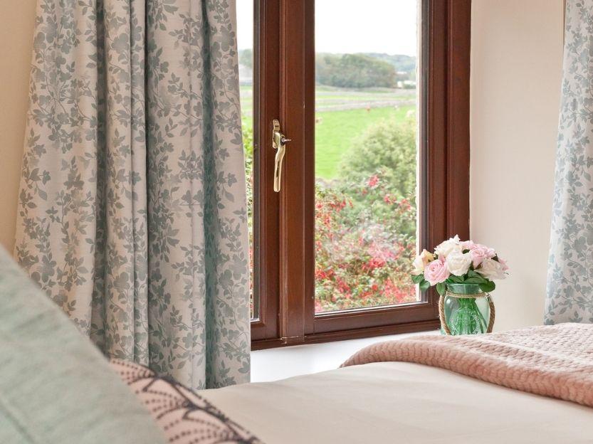 Cove Lodge Bedroom 2