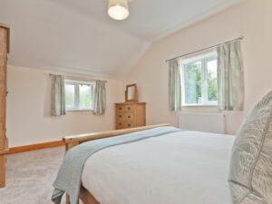 Pier & Tower Cottages Bedroom 2