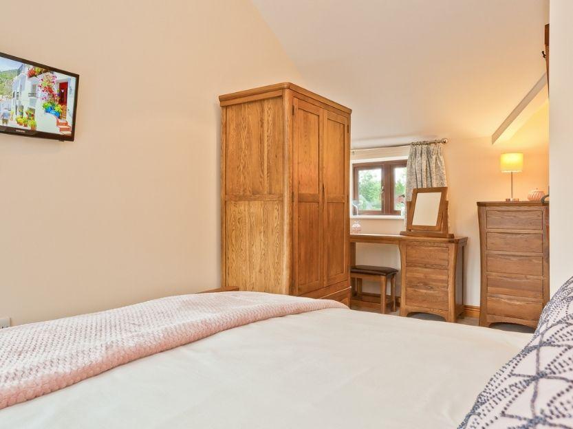 Cove Lodge Bedroom 1