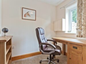 Pier & Tower Cottages Business room