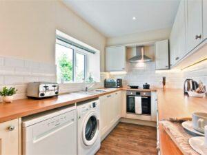 Hillberry Cottage Kitchen 1
