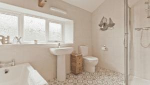 The Barn Cottage Bathroom 3