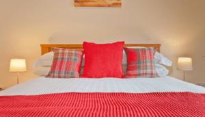 Hollins Cottage Bedroom 1