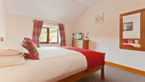 Hollins Cottage Tartan Bedroom 4