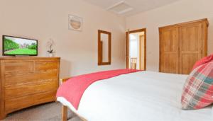 Bedroom Hollins Cottage 5